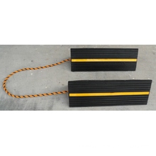 Solid Rubber Wheel Chocks 456*158*134 mm with Strip and String
